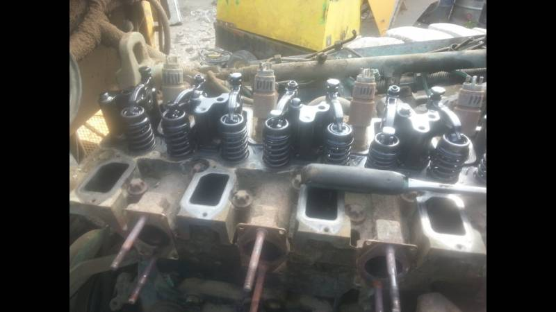 Komatsu 65 Engine Head