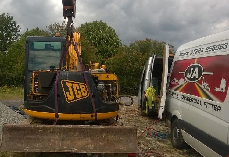 JCB JZ70 Removing slew motor
